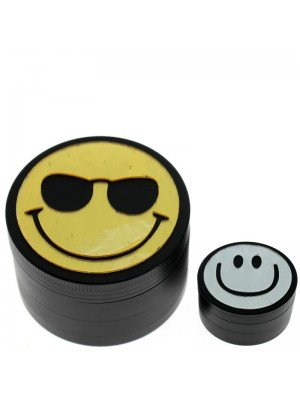 4 Parts Magnetic Metal Grinders Smiley Face Assorted