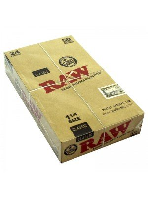 Wholesale RAW Classic Natural Unrefined Rolling Papers - 1¼ Size