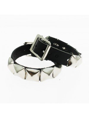 1 Row Pyramid Studded Leather Wristband - 6 studs
