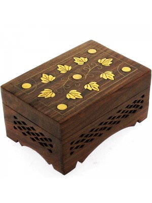 Shesham Wooden Box With Leaves Brass Inlay 15x10x9cm