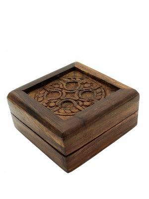 Small Wooden Box With Celtic Engrave & Brass Plating 8x8x4cm